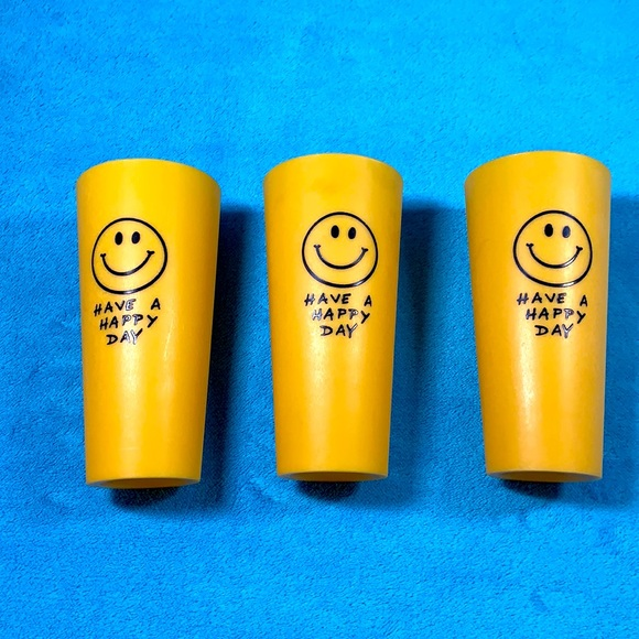 3 SMILEY FACE 1970's Plastic CUPS Hippie TUMBLERS
